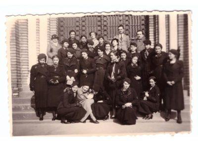 Eleve ale LIceului de fete in anii 1930