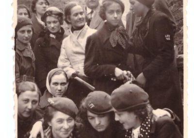 Eleve in excursie- anii 1930